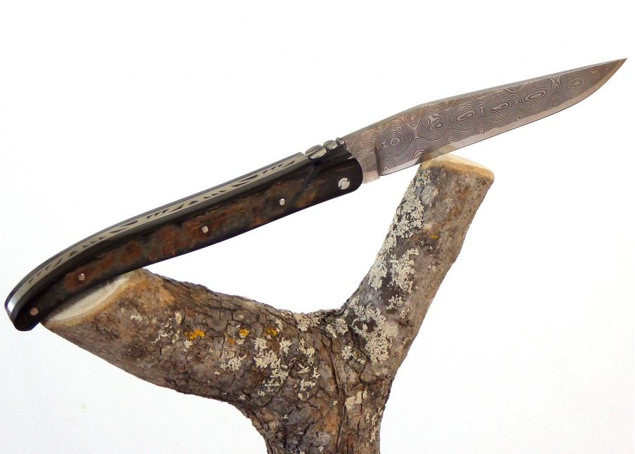 Laguiole Knife with Damascus Handmade Blade with its American's Buffalo/Bison Horn Crust Handle.